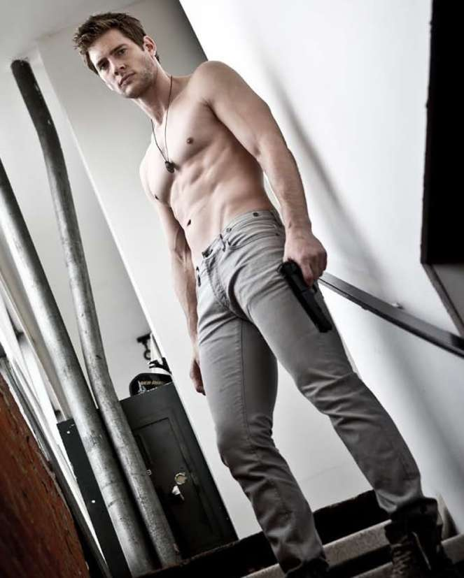 gallery_enlarged-ryan-mcpartlin-daman-chuck-09242010-06